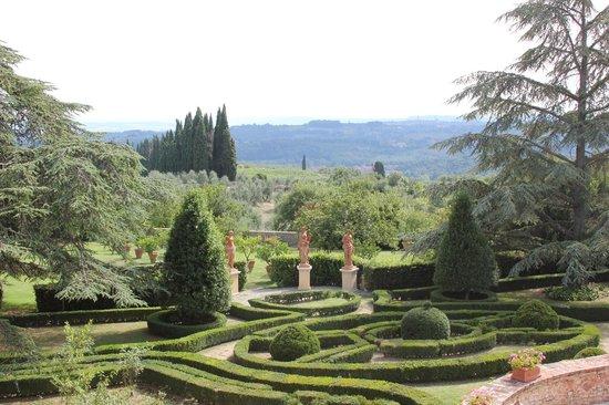 Villa Catignano : Villa Garden from our window