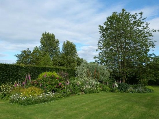 The Coach House: Some of the beautiful gardens