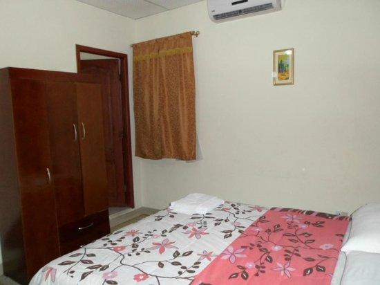 Hostal Perla Real Inn: detalles de habitación
