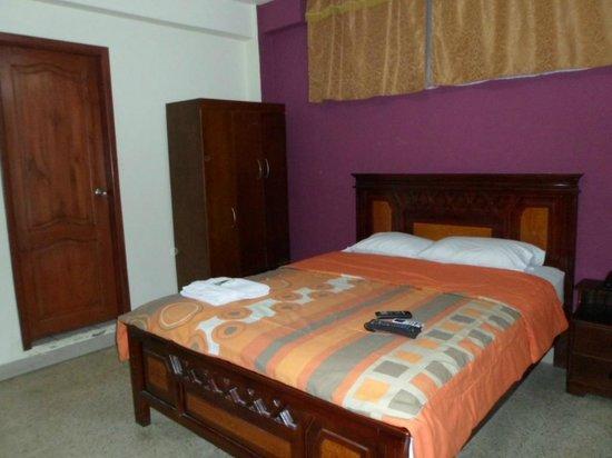Hostal Perla Real Inn: habitación
