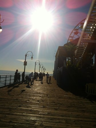 Legends Of Hollywood Tours: Santa Monica pier
