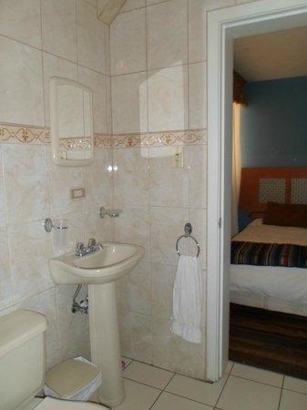 Hostal Casa Valladolid: el baño