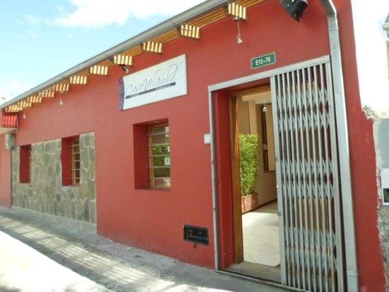 Hostal Casa Valladolid: fachada del hostal