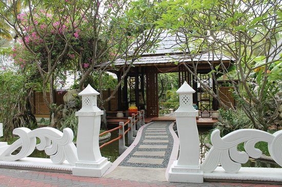 Sun Island Resort: The entrance to the SPA.