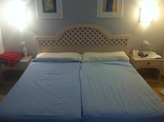 Apartamentos Roc Oasis Park: Bedroom