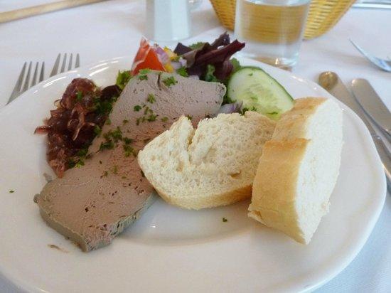 Sadler's Brasserie: nicely presented pate starter