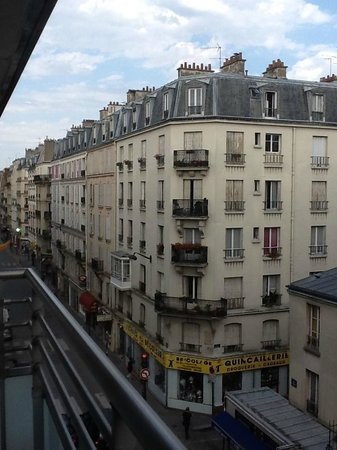 Citadines Didot Montparnasse: View from our terrace/balcony on the 4th floor!