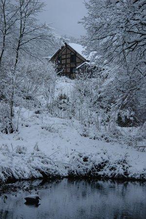 De Heren van Sfeer B&B : Holidayhouse in winter Les Seigneurs du Saveur