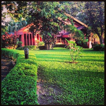 Dusit Island Resort Chiang Rai Tel