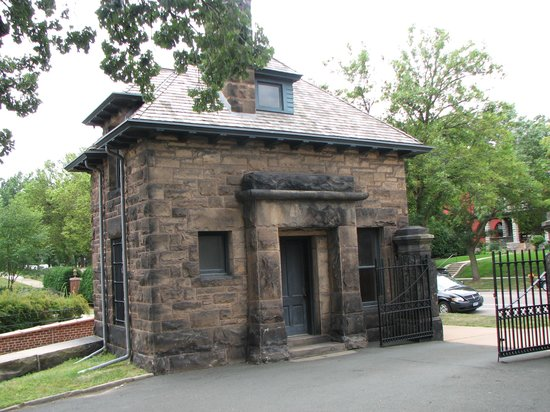 James J. Hill House: Guard House at the entrance