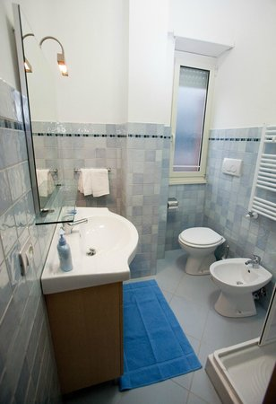 """Il Punto: Toilette camera """"BLU"""""""