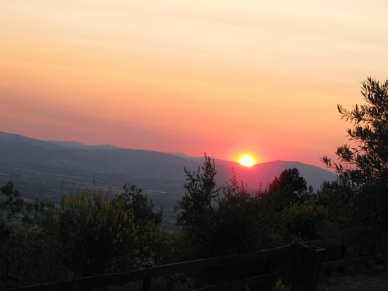 Agriturismo Le Mandrie di San Paolo: Don't miss the sunset!