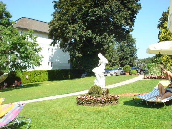 Hotel Dermuth: Park Villa lake front