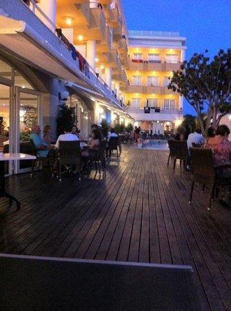 Hotel Augusta Club: terrasse