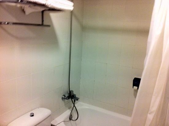 Hotel Augusta Club : salle bain