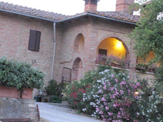 Agriturismo Casanova: A welcoming entrance