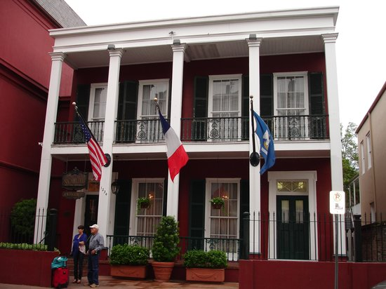 Le Richelieu in the French Quarter: Another outside view of the hotel