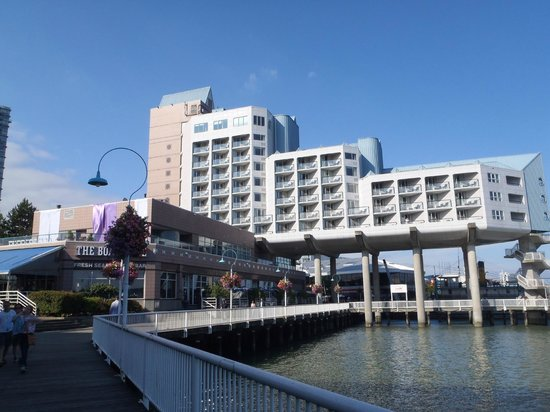 Inn at the Quay: The Hotel from the boardwalk