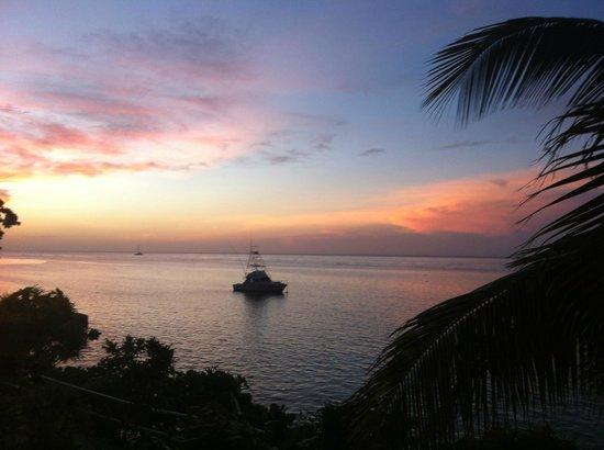 Silver Seas Resort Hotel: Dusk