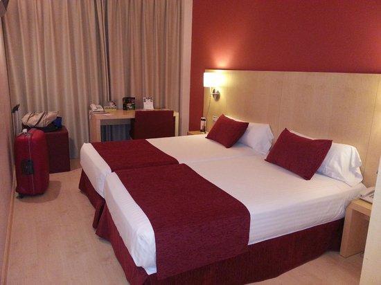 Sercotel Portales Hotel : Habitación