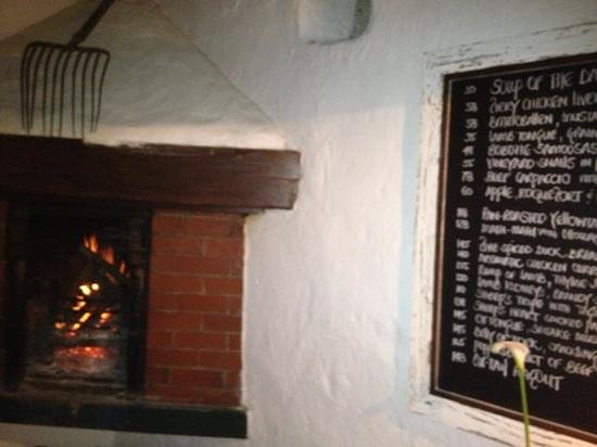 Oude Wellington Restaurant: newly re-opened - back to the future