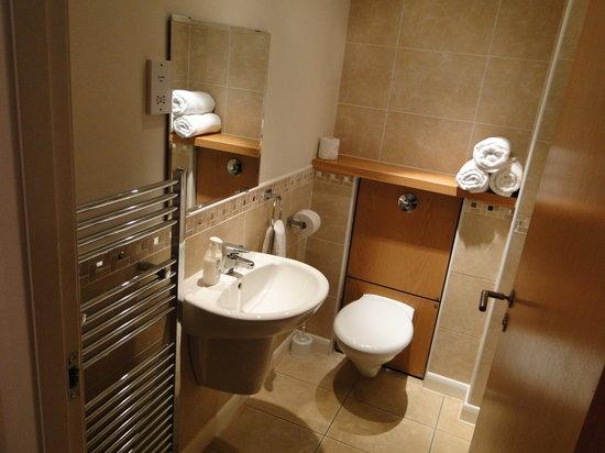 Edinburgh Pearl Apartments Lochrin : Baño2