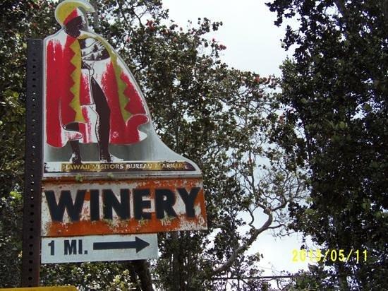 Volcano Winery: nice sign...