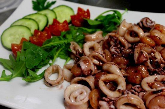 Osteria il Pentolino: Calamari and Gamberi in special sauce.