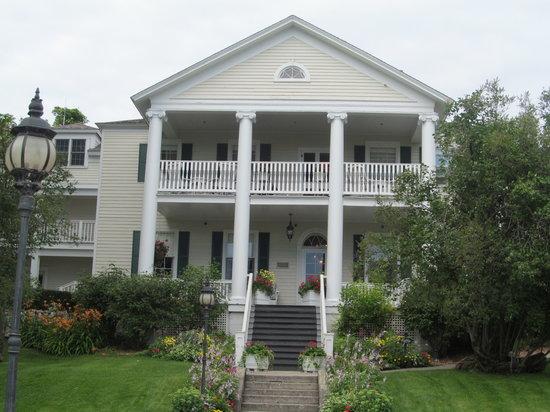 Harbour View Inn: exterior