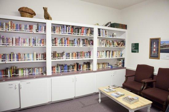 Rainbow RV Resort: Library