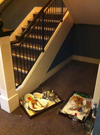 Holiday Inn Leeds Brighouse: Stairwell on way to room.