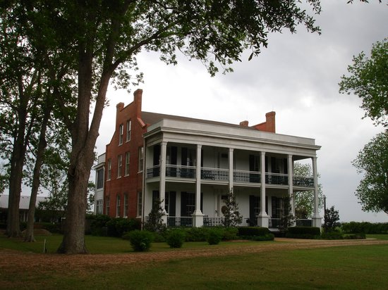 Cheneyville, LA: Loyd Hall Plantation House