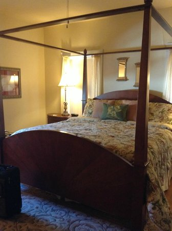 Hudspeth House Bed and Breakfast: The beautiful room