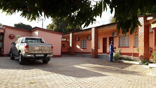 Likute Guest House: Likute court