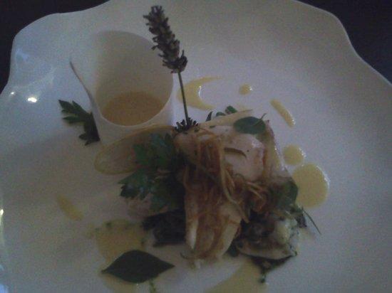 Mas de l'Amarine : Dos de Barbu sur un lit de pois gourmands et une sauce aux agrumes d'un autre monde !!!