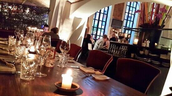 EAST Restaurant : atmosphere