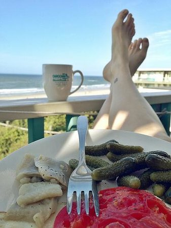 Atlantis Lodge: Breakfast on the Balcony