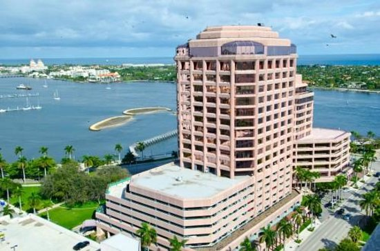 United Airlines West Palm Beach Phone Number