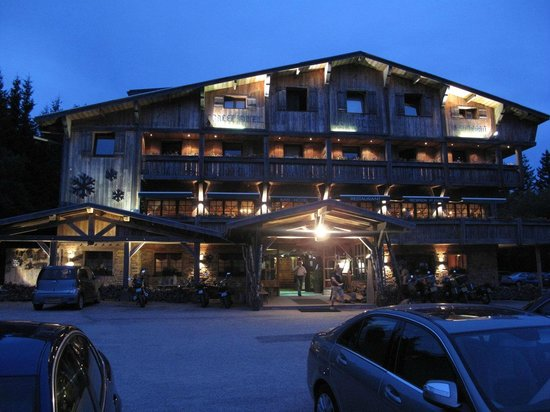 Night view picture of chalet hotel le collet xonrupt for Hotels xonrupt longemer