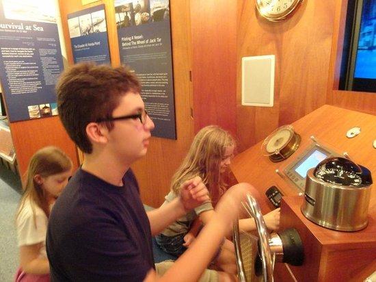 Santa Barbara Maritime Museum: Boating simulator