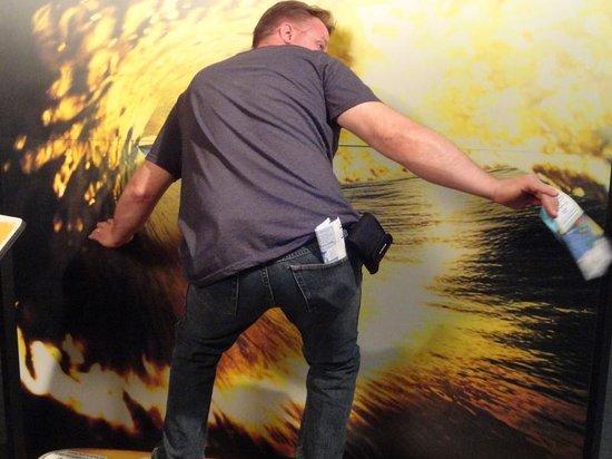 Santa Barbara Maritime Museum: Catchin' a wave