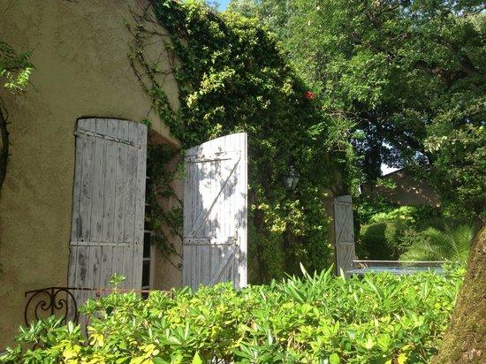 Le Mas de Mougins : Front entrance