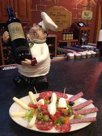 Piloni's Italian Restaurant: Delicious Antipasto Appetizer!