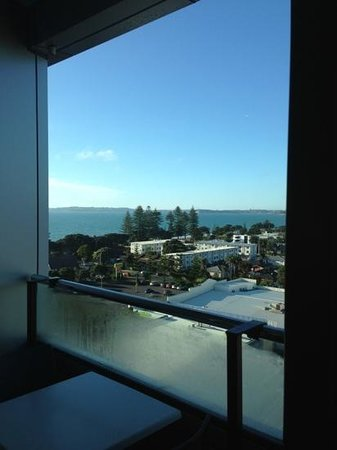 Ramada Suites Nautilus Orewa : view from room 9th floor