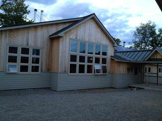 Maine Huts & Trails : Main lodge of Stratton Brook Hut