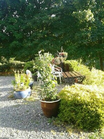 Georgeston B&B Invermoriston: giardino