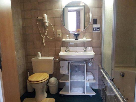B&B Le Clos du Pere Finet : salle de bain