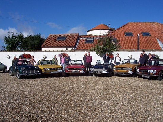The Old Mill Hotel & Restaurant: Triumph car club meeting at hotel
