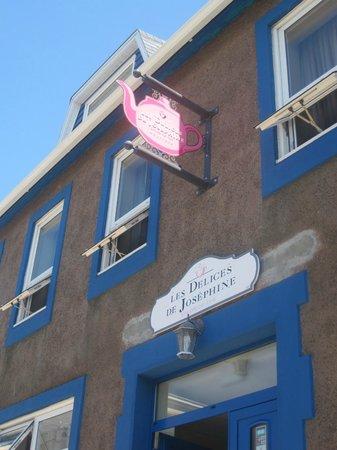 Les Délices de Joséphine : From the street