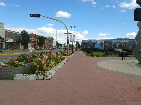 Ramada Yorkton: just a block or two down the street looking back to hotel